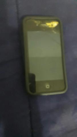 Iphone 4s com tela trincada