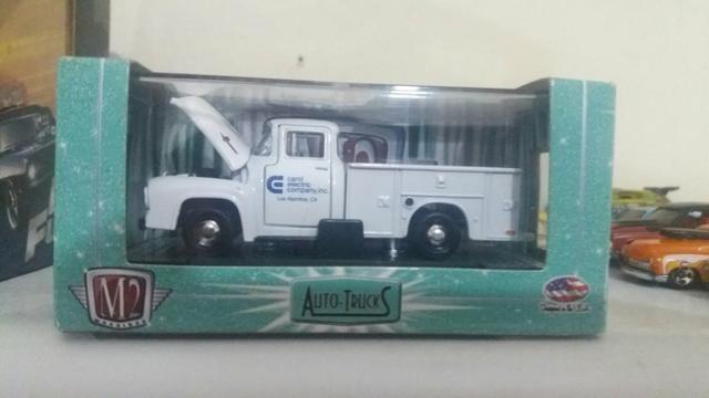 Miniaturas m2 auto trucks 1/64