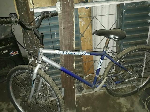 Vendo bicicleta de marchas conservada