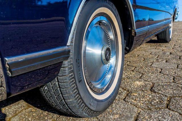 Relíquia de Colecionador Ford Landau com placa Preta 1980! - Foto 8