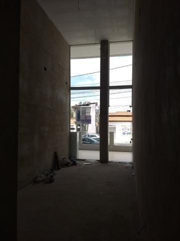 Alugo loja no Candeias Medical Center na av. Jorge Teixeira - Foto 3