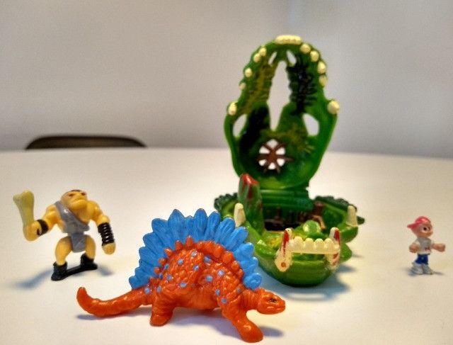 Brinquedo Mighty Max vs Kronosaur - Foto 3