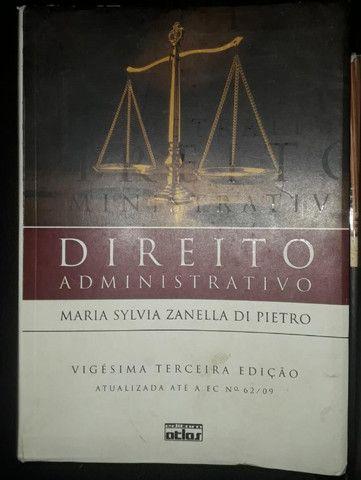 Livros de Constitucional, Administrativo e Inglês - Foto 6