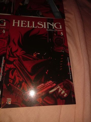 Mangá Hellsing do volume 1 ao 5 - Foto 6