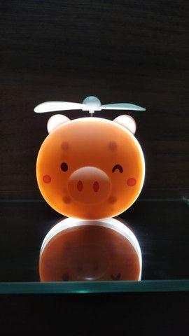 Mini Ventilador Espelho Led Usb Porquinho Rosa Fan-8517 - Foto 2