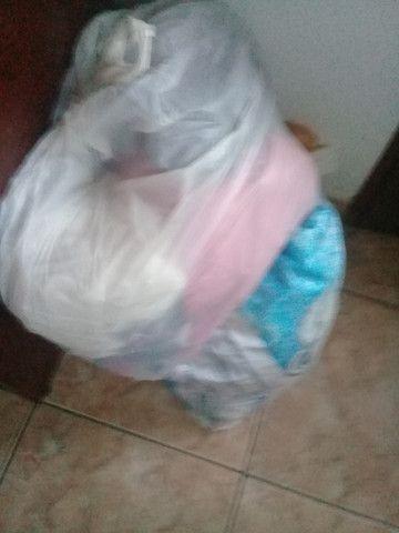 Lote roupas - Foto 2