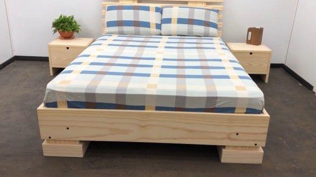 Cama em madeira maciça