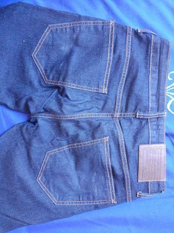 Calça Colcci + camisa básica  - Foto 3