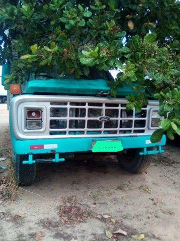 Vendo ou troco  Caminhão FORD F7000