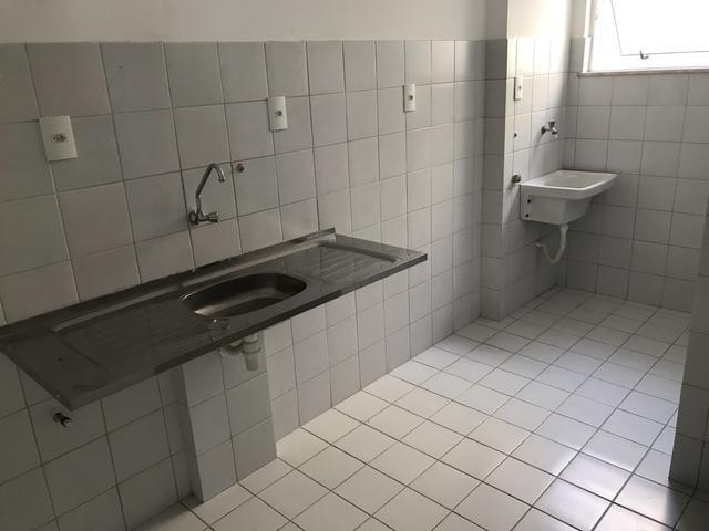 Léo tem Apartamento 2/4 térreo no bairro Brasília - Foto 6