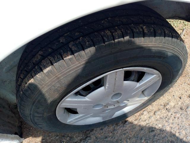 Carro muito bom para vender logo apenas com débito de r$ 2500 preço negociável - Foto 4
