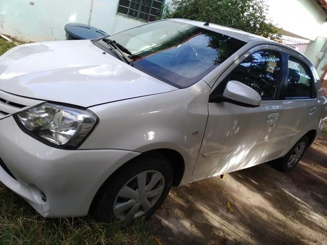 Etios 1.5 XS sedan - Foto 6
