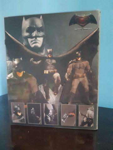 Batman Mezco BvS usado...15 cm - Foto 4