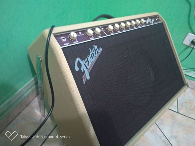 Amplificador fender super Sonic 60 w - Foto 2