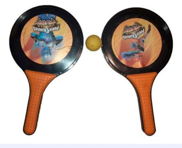 Raquete de Frescobol Power Rangers Jungle Fury com bola