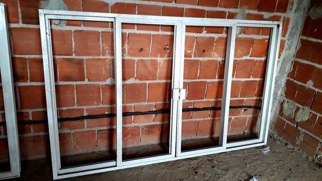 Vendo duas janelas de alumínio  branco