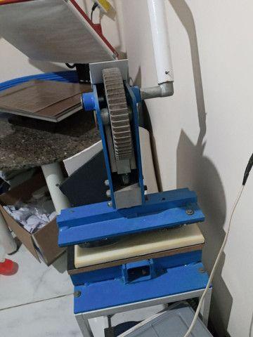 Maquina de fabricar chinelo com freezadora - Foto 2