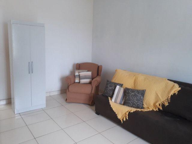 Alugo bela casa mobiliada - Foto 7