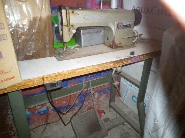 Maquina de costura reta industrial feng gong funcionando bem