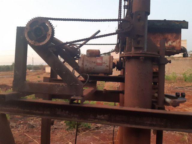 Máquina de Brunir pistão hidráulico ou furar poço artesiano - Foto 2