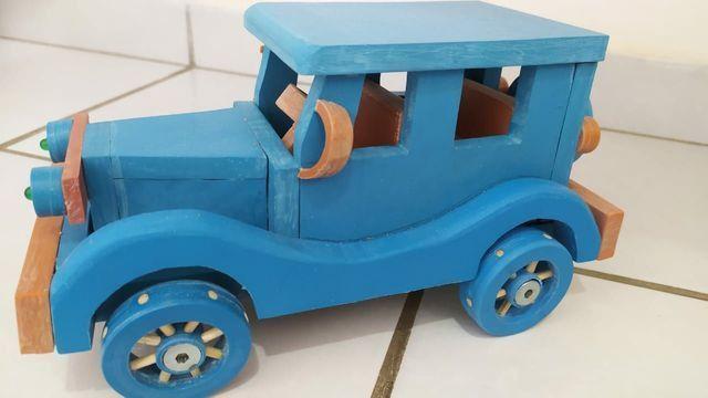 Brinquedos em PVC (CARROS) - Foto 2