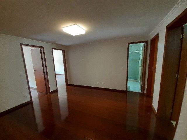 Apartamento com 180m², o melhor 3 quartos de Friburgo, no centro em rua nobre - Foto 5