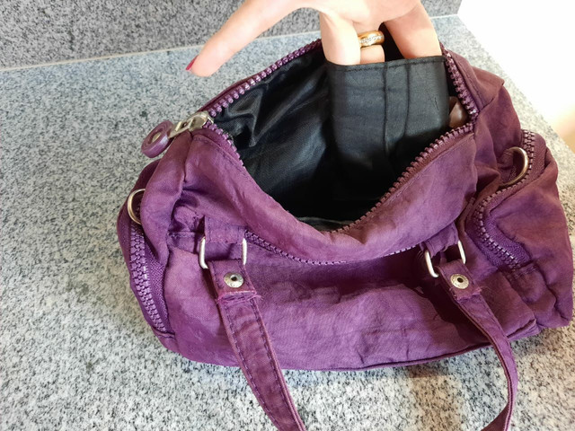 Bolsa roxa pequena  - Foto 4
