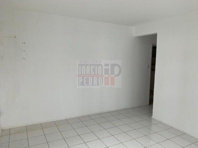 [A31423] Apartamento com Sala Ampla, 3 Quartos sendo 1 Suíte. Em Boa Viagem !! - Foto 8