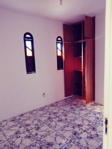 Casa Itapuã Alugo,Vendo ou troco por uma 1/4 - Foto 17
