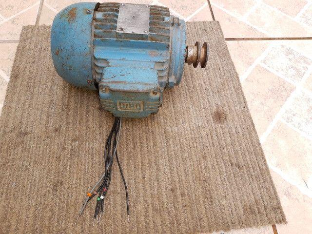 Motor De Indução Trifásico Weg 1,5cv 220/380v - Foto 4