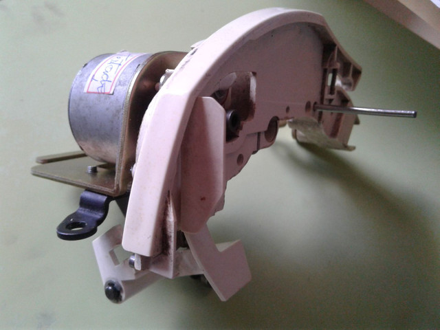 Motor tensor de linha usado para máquina de bordar BROTHER - Foto 2