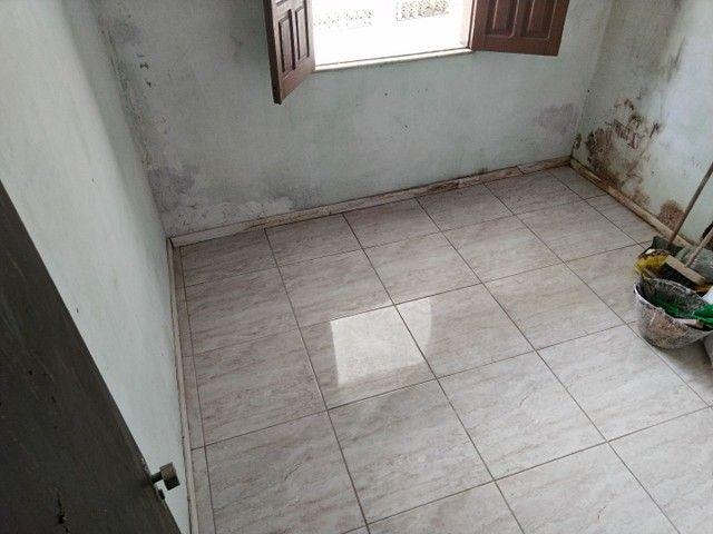 Casa antiga 1° andar em Itapuã, frente de rua 2/4 R$115.000,00 - Foto 10