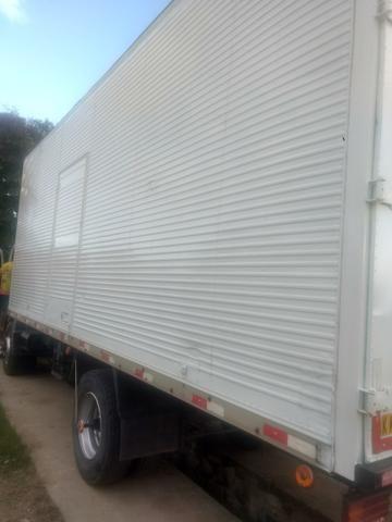 Baú caminhão toco Randon 7 MT ano 2014