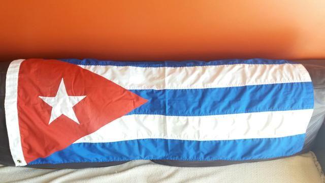 Bandeira de Cuba ,trazida de lá