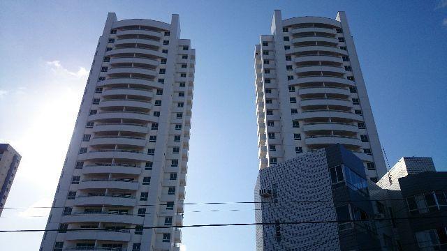 Excelente Apartamento Royal Palms, Capim Macio, Andar Alto