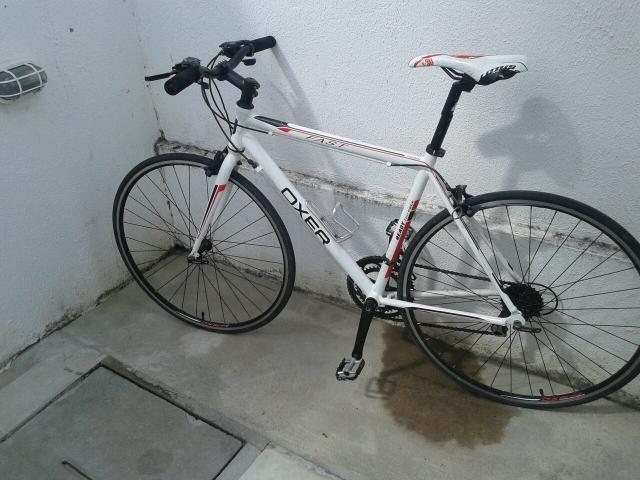 Vendo essa bicicleta valor à negócia
