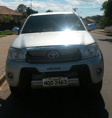 Toyota Hilux - BAIXOU O PREÇO - carro de cidade e bem conservado
