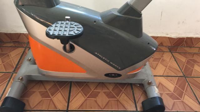 Vendo essa bicicleta ergométrica - Foto 4
