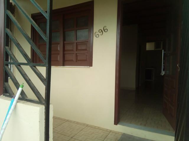 ALUGO casa c/ 2/4 Bairro Santo Antônio-Itabuna - Foto 2