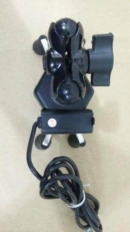 Suporte Garra Universal de Celular para Moto com carregador USB - Foto 4