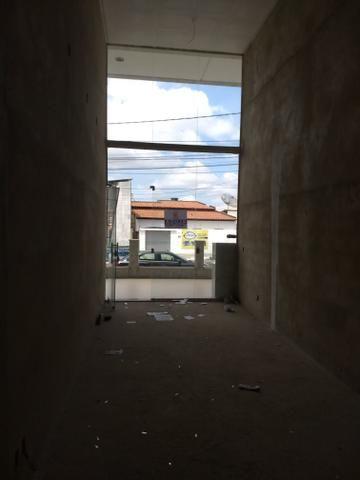 Alugo loja no Candeias Medical Center na av. Jorge Teixeira