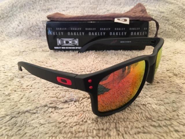 81ca1becf Óculos De Sol Oakley Holbrook Polarizado Espelhado Vermelho ...