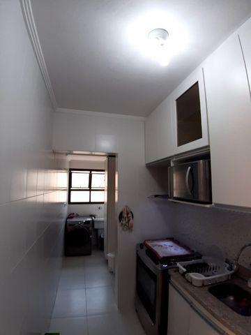 Lindo Apartamento de 2 dormit com sacada região Tortugas - Foto 13