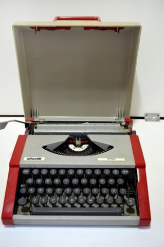 Maquina de escrever - Foto 4