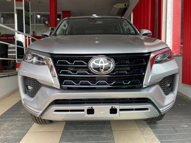 Toyota SW4 SRX 2.8 turbodiesel 7L 4x4 (Aut)