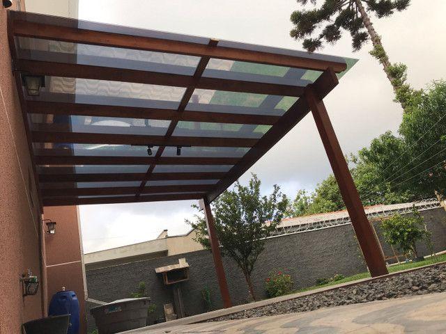 Pergolado com cobertura em vidros - Foto 5