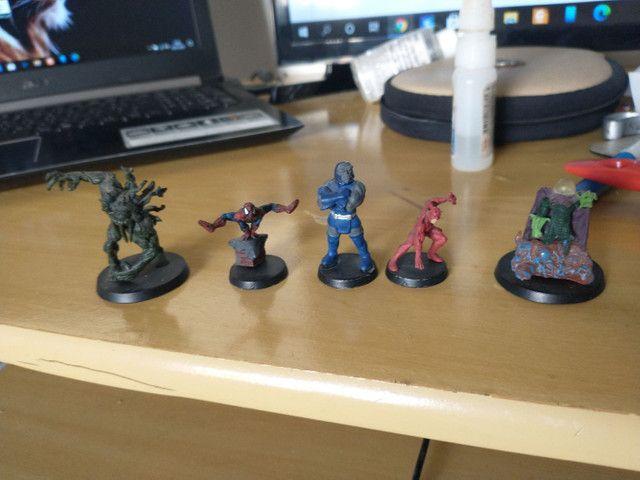 Personagens DC e Marvel (miniaturas)
