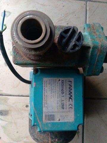 Bomba periférica auto aspirante da marca FAMAC