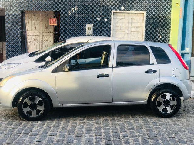 Fiesta hatch 1.0 completo  - Foto 3