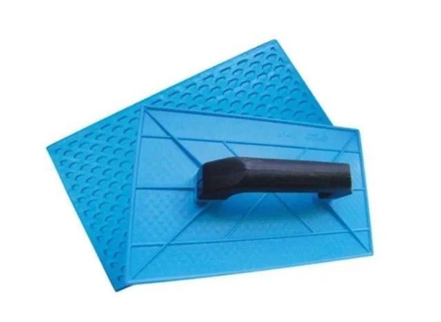 Desempenadeira Plastica Corrugada Azul 18x30cm Beltools